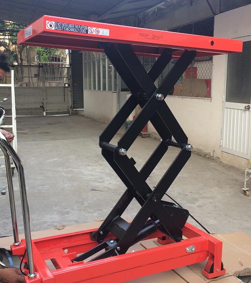 xe-nang-mat-ban-800-kg-cao-1m5_s1467